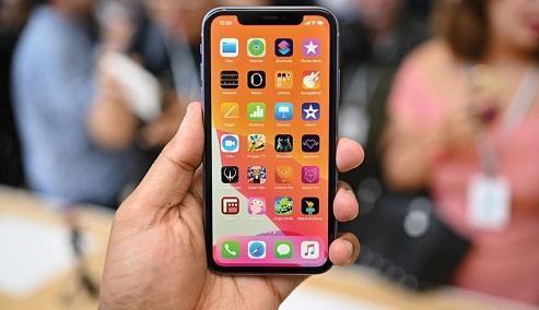 Apple bị trói tay vào iPhone