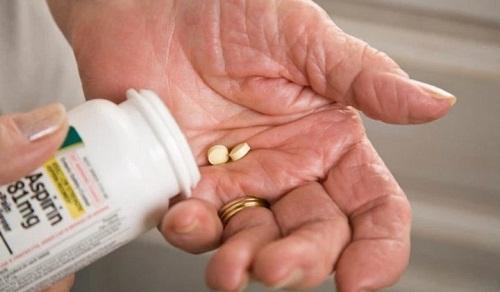 Đại học Harvard: Hàng triệu người đang tốn công uốc thuốc aspirin để phòng bệnh tim