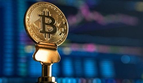 Bitcoin về 8.000 USD hay lên 31.000 USD?