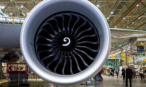 Boeing cho thôi việc hàng trăm kỹ sư