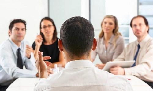 CEO nên làm gì để củng cố quan hệ với hội đồng quản trị
