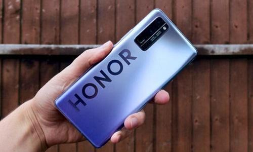 Huawei bán Honor cho liên doanh 30 đại lý và nhà phân phối