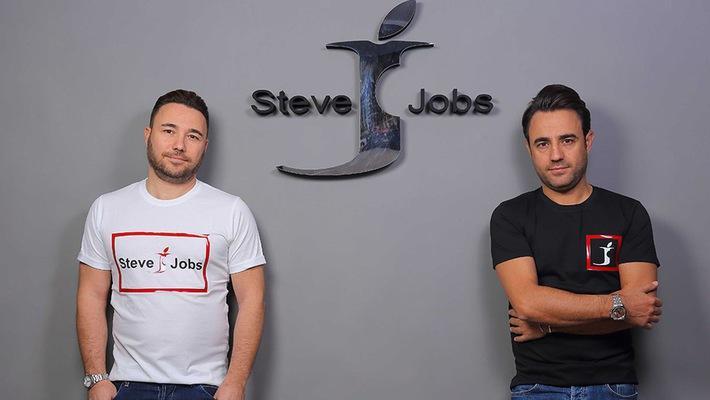 """Công ty Ý chuẩn bị ra mắt máy tính bảng, smartphone hiệu """"Steve Jobs"""""""