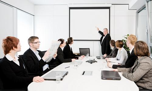Khởi nghiệp có nên tuyển người chưa có kinh nghiệm?