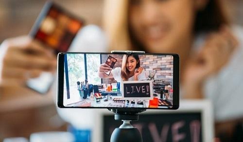 Các công ty Nhật Bản mở rộng bán hàng thông qua livestream