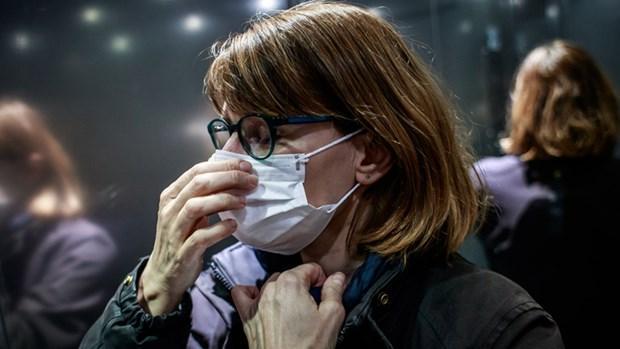 Các hãng thời trang sản xuất sản phẩm y tế phục vụ phòng chống dịch