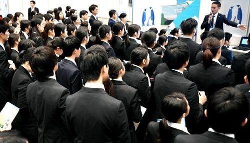 Chế độ tuyển dụng trọn đời tại Nhật rồi cũng sẽ đến hồi kết thúc vì quá lạc hậu?
