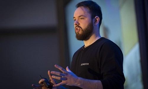 Lập nghiệp bằng cách cho thuê nhà thời sinh viên, chàng trai 28 tuổi thành ông chủ startup tỷ USD