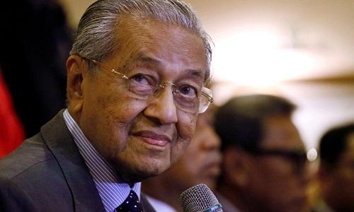 Thủ tướng Malaysia Mohamad Mahathir bất ngờ nộp đơn từ chức