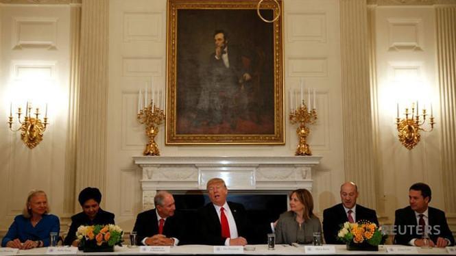 Dàn CEO lớn của Mỹ bỏ túi hàng triệu USD nhờ Tổng thống Trump