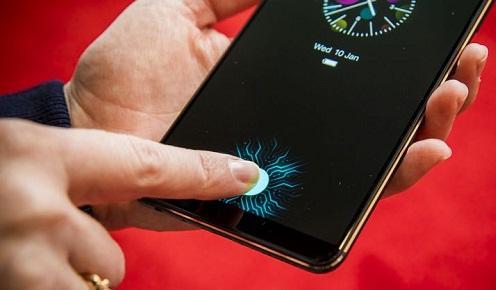 """Tất cả các hãng, ngoại trừ Apple, sẽ sớm """"phổ cập"""" cảm biến vân tay dưới màn hình vào năm sau"""