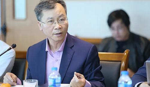 TS. Vũ Đình Ánh: Cần vận hành kinh tế an toàn thay vì đóng băng