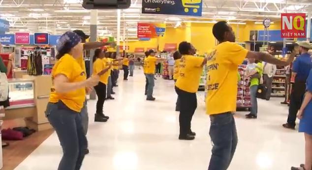 Cuộc đình công vui nhất và lan toả nhanh nhất tại siêu thị Walmart